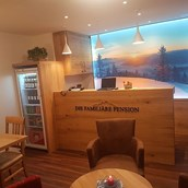 Pensionen: Neu - Rezeption mit Lounge - Oberauer Wagrain *** Die Hotelpension (B&B)